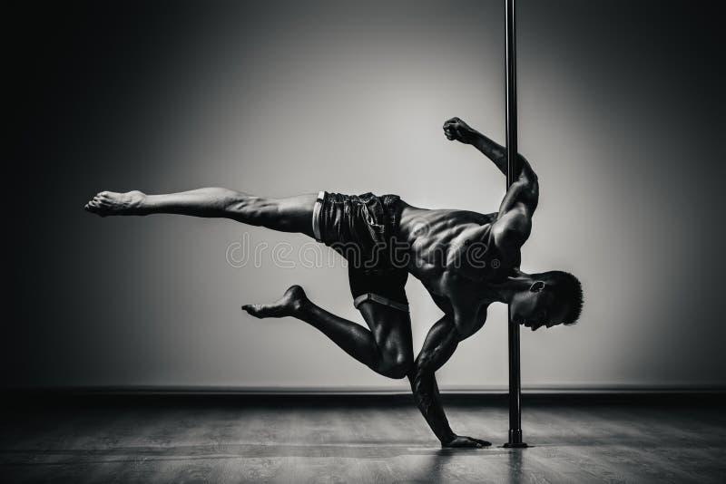Uomo di dancing di Palo fotografia stock