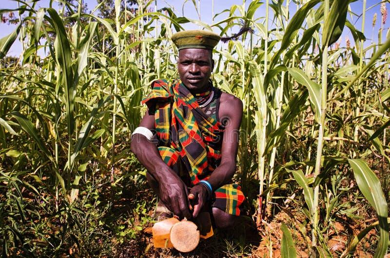 Uomo di Karamojong nell'Uganda immagine stock libera da diritti