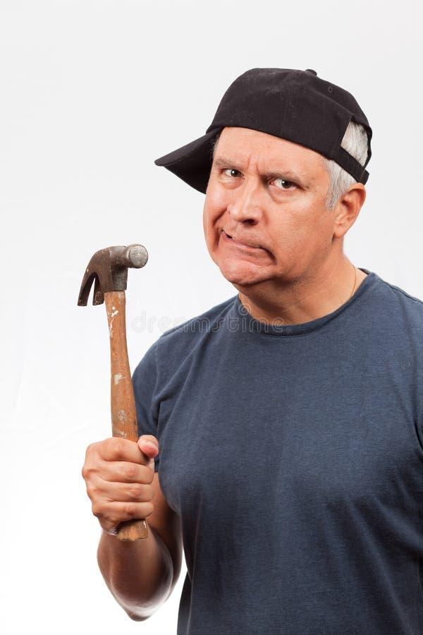 Uomo di Medio Evo con un martello fotografie stock libere da diritti