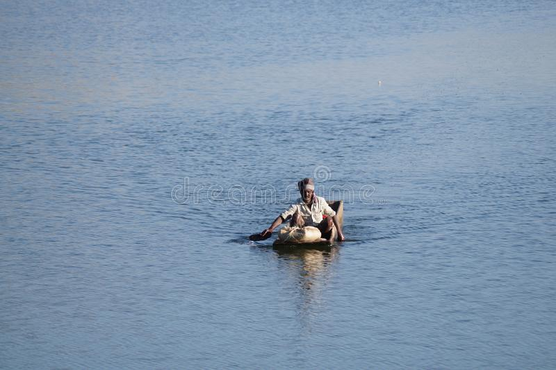 Uomo di pesca immagini stock libere da diritti