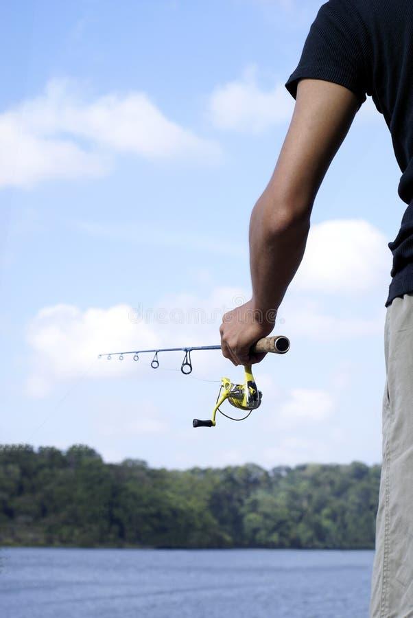 uomo di pesca all'aperto fotografia stock libera da diritti