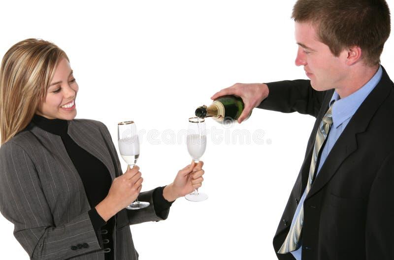 Uomo e donna con Champagne fotografie stock libere da diritti