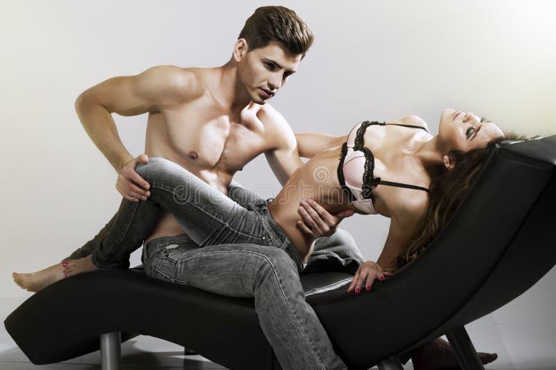 Uomo e donna sexy fotografia stock libera da diritti