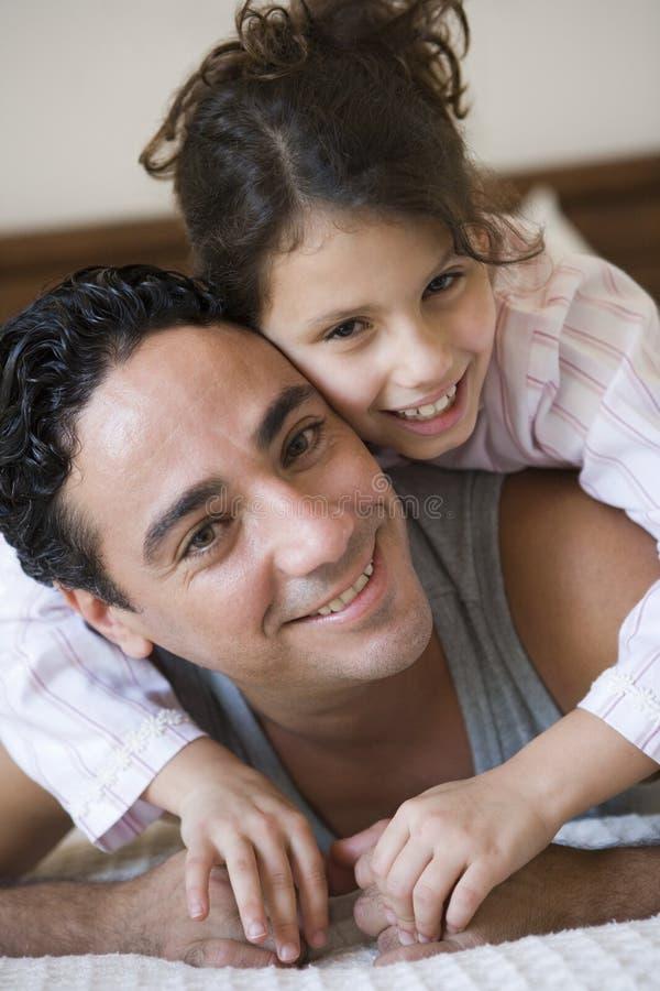 Uomo e figlia fotografie stock libere da diritti
