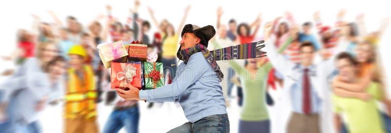 Uomo felice con i regali fotografie stock libere da diritti