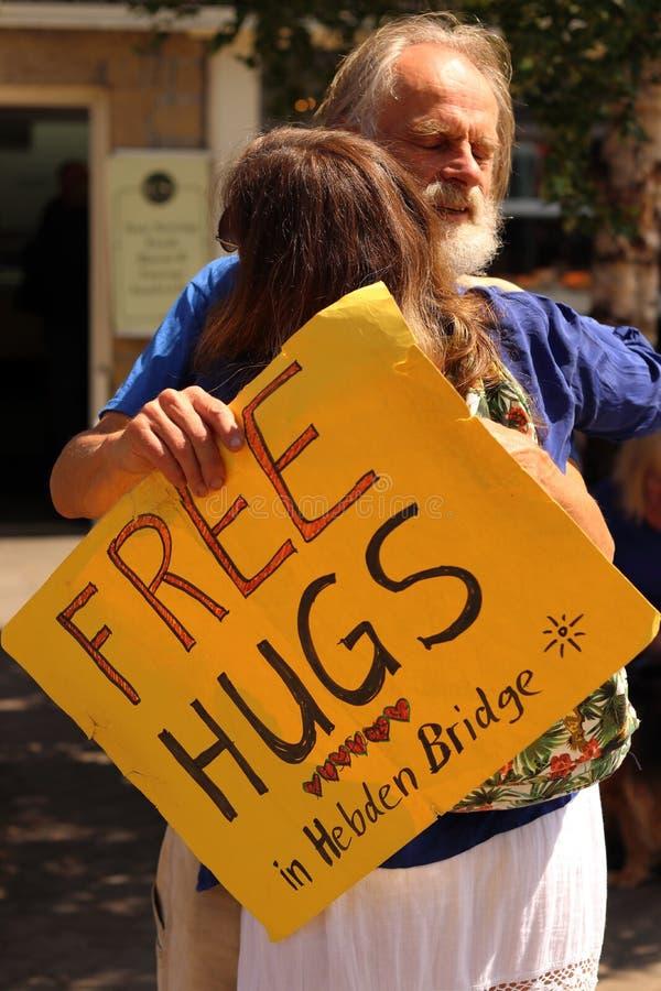 Uomo libero degli abbracci del tedesco del ponte di Hebden immagine stock