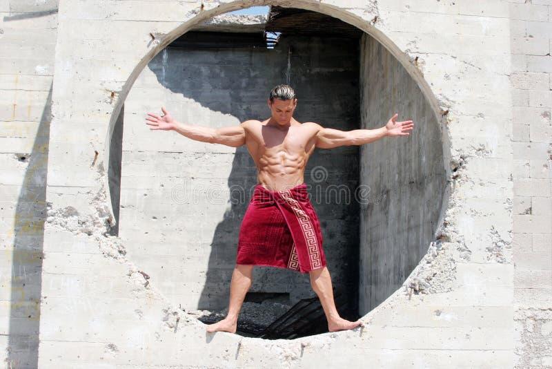 Uomo muscolare immagine stock libera da diritti