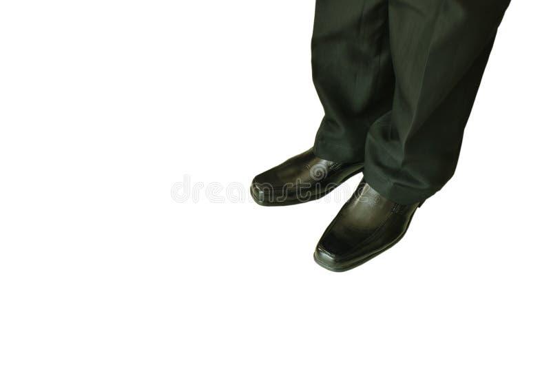 Uomo in mutanda di affari e scarpa nere della schiuma su fondo bianco fotografia stock libera da diritti