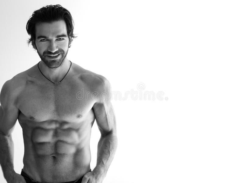 Uomo senza camicia sexy immagine stock libera da diritti