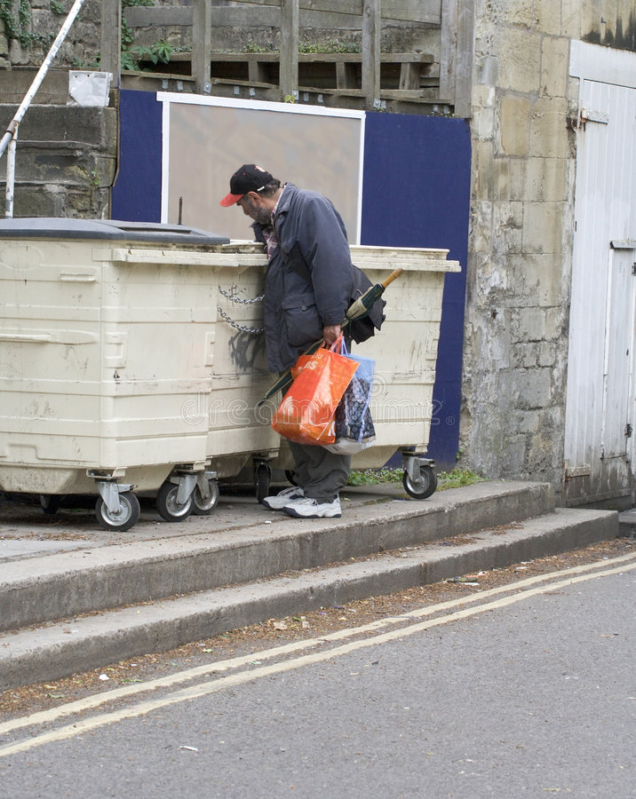 Uomo senza casa fotografia stock libera da diritti