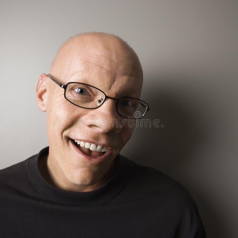 Uomo sorridente. fotografia stock libera da diritti