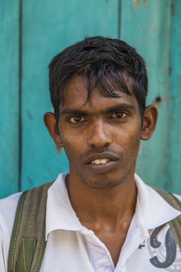 Uomo sulla via di Galle, Sri Lanka immagine stock