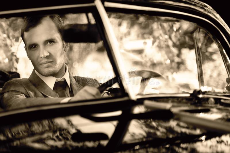 Uomo in un'automobile immagine stock libera da diritti