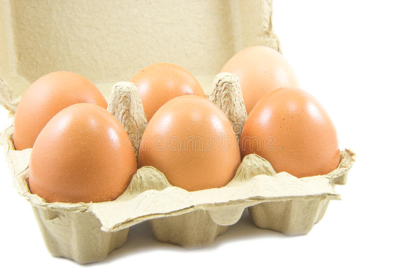 Download Uova In Cartone Di Carta Dell'uovo Su Fondo Bianco Immagine Stock - Immagine di scatola, modellato: 56888471