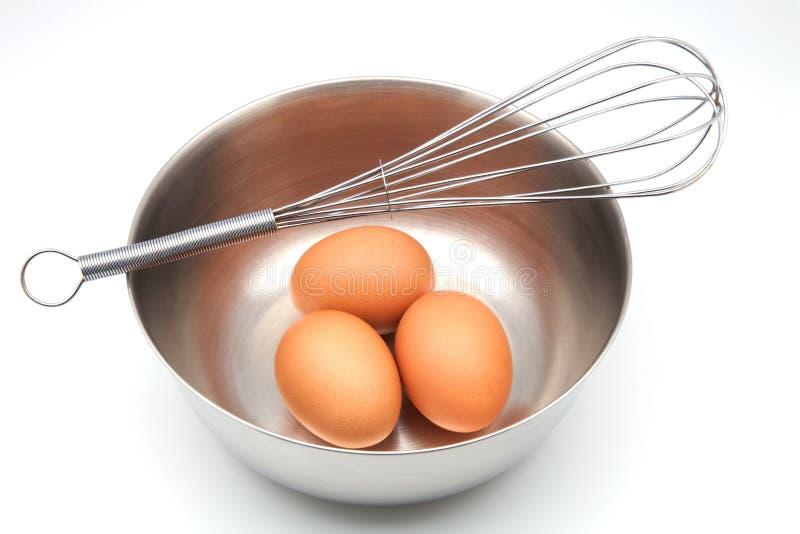 Uova in ciotola immagini stock libere da diritti