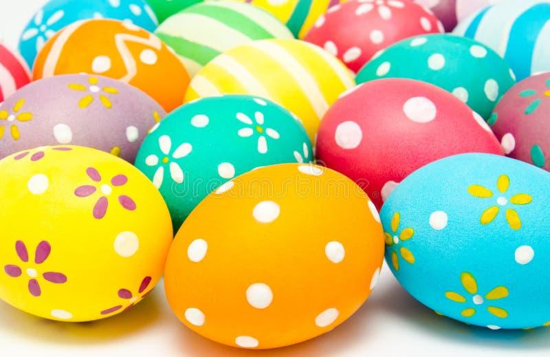 Uova di pasqua decorate fatte a mano variopinte fotografia stock immagine di decorazione - Uova di pasqua decorati a mano ...