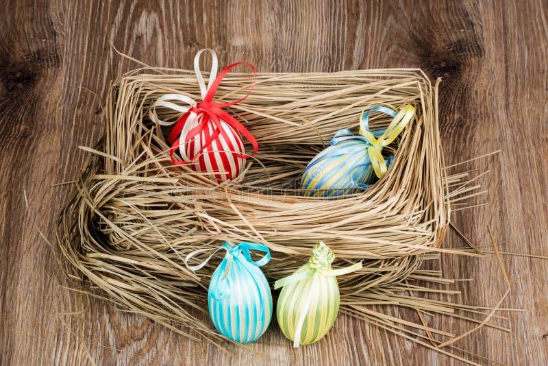 Uova di Pasqua Nel nido fotografia stock