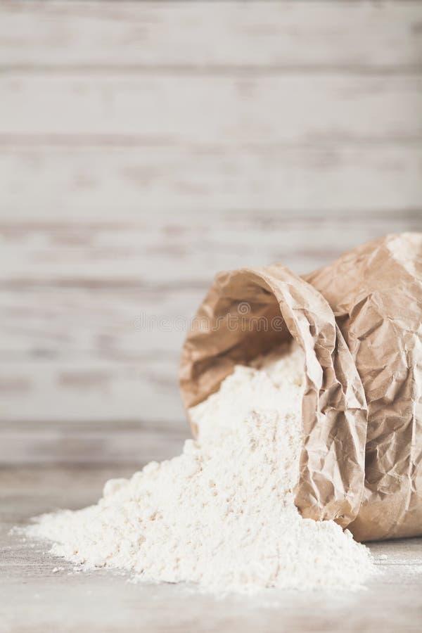 Uova, farina e latte fotografia stock libera da diritti