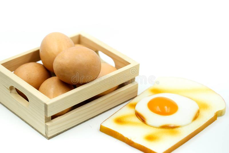 Uova per la prima colazione con pane tostato fotografie stock libere da diritti