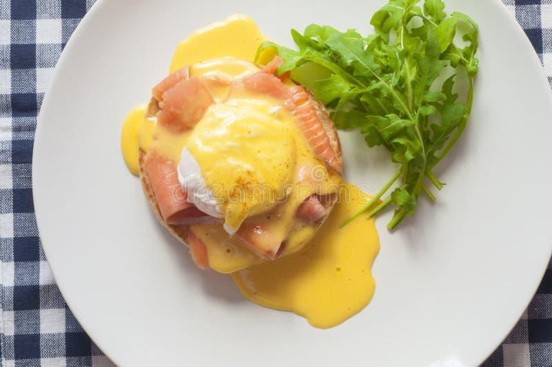 Download Uovo Benedict immagine stock. Immagine di cuisine, isolato - 55356551