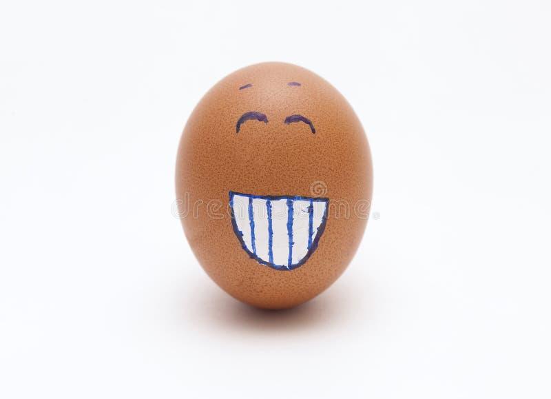 Uovo con un fronte felice immagini stock libere da diritti