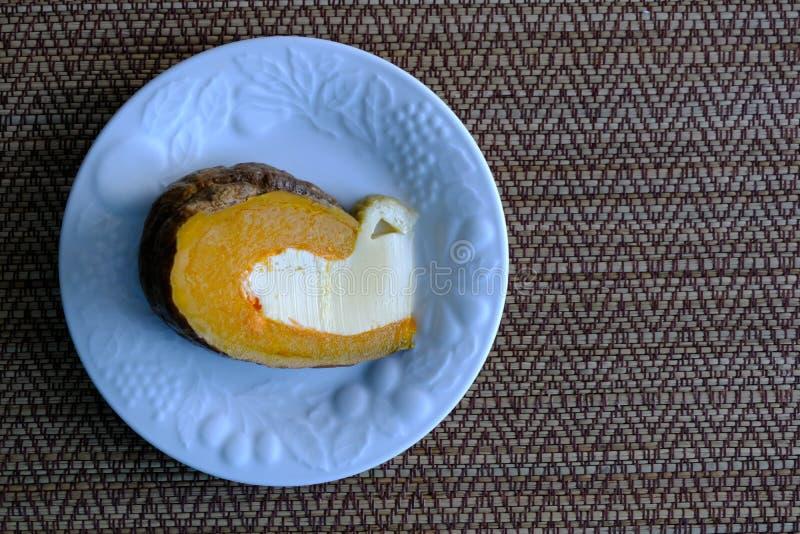 Uovo cotto a vapore della crema in zucca, immagini stock