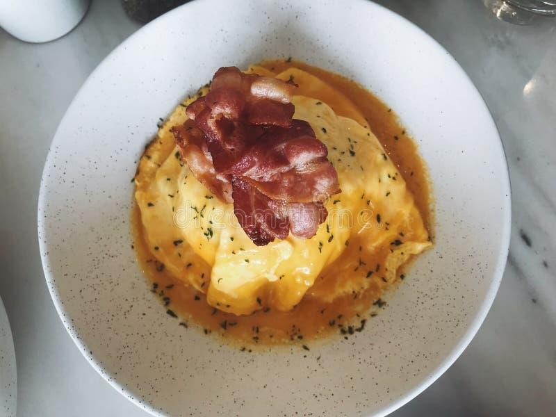 Uovo del riso di fusione dell'alimento fotografia stock