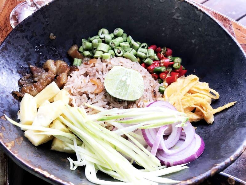 Uovo della cipolla del fagiolo del porksweet del mango della calce di Fried Rice del gamberetto immagine stock