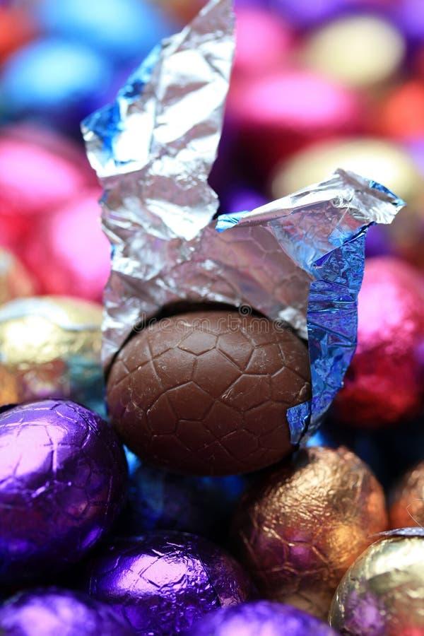 Uovo di Pasqua del cioccolato immagini stock