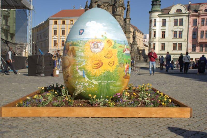 Uovo di Pasqua nella città di Olomouc Repubblica ceca immagini stock