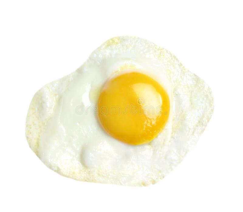 Uovo fritto isolato su fondo bianco fotografia stock libera da diritti