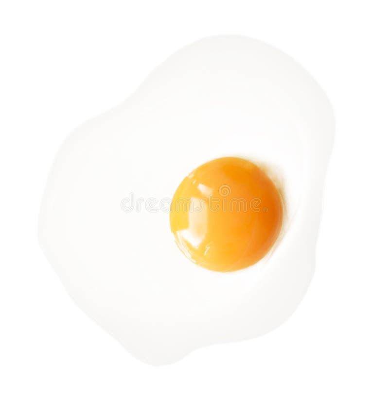 Uovo fritto isolato su fondo bianco fotografie stock libere da diritti