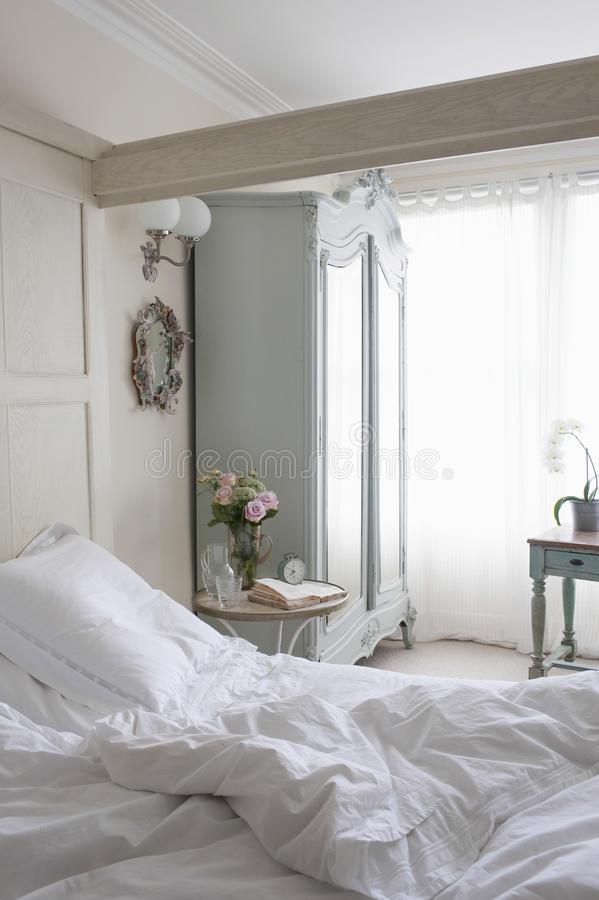 Upaćkany Unmade łóżko fotografia stock