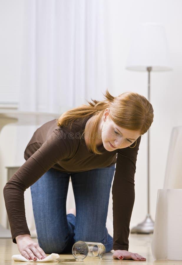 upadek czyścić kobieta zdjęcie stock