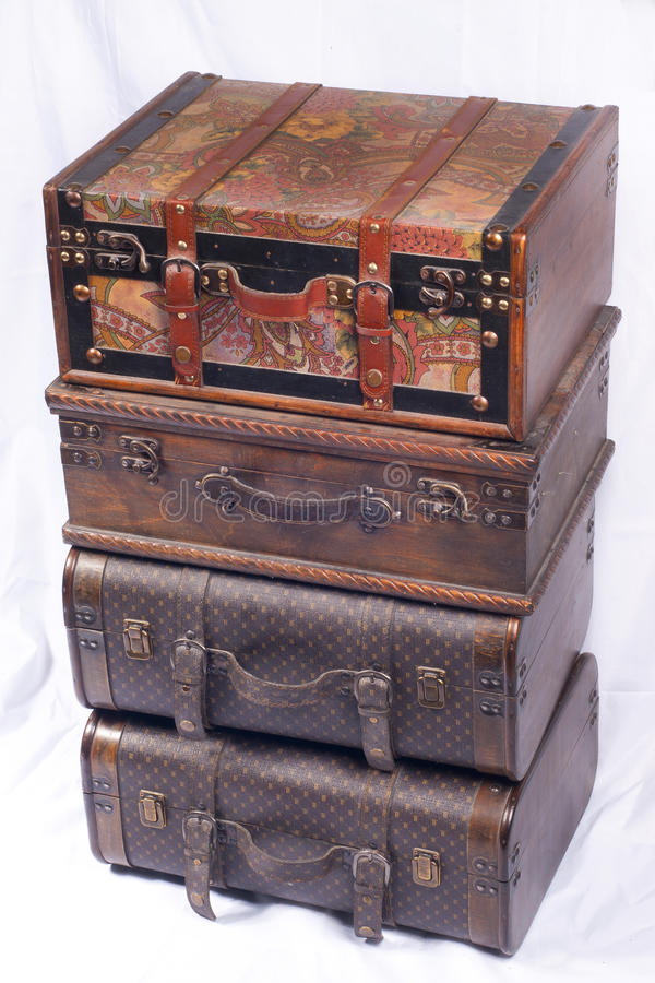 Download Upakowane walizki zdjęcie stock. Obraz złożonej z brąz - 21021200