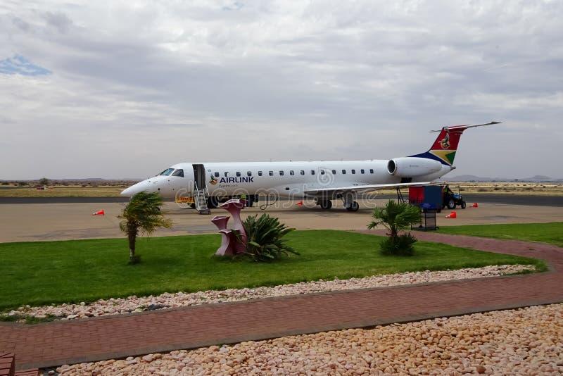 02/02/2019 Upington-Luchthaven, Zuid-Afrika - vliegtuigen stock afbeelding