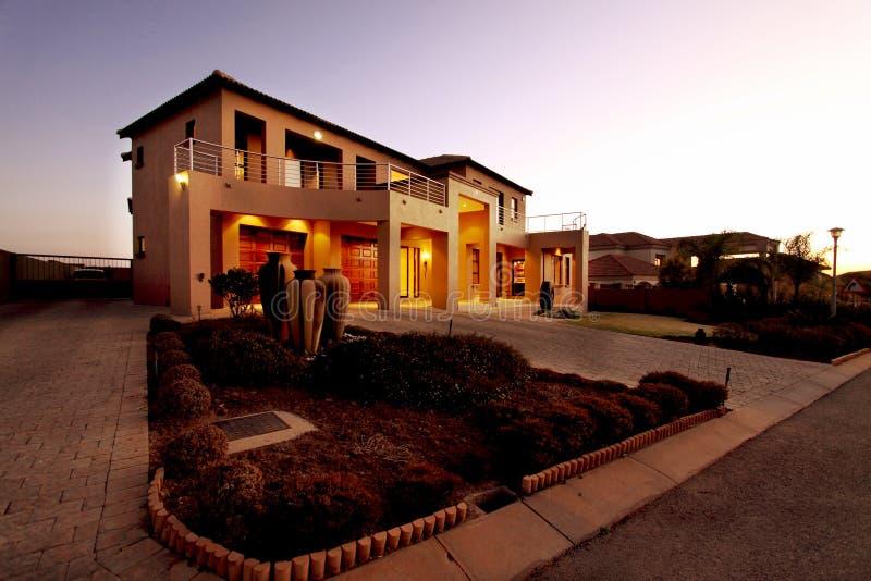 Upmarket Zuidafrikaans huis stock foto