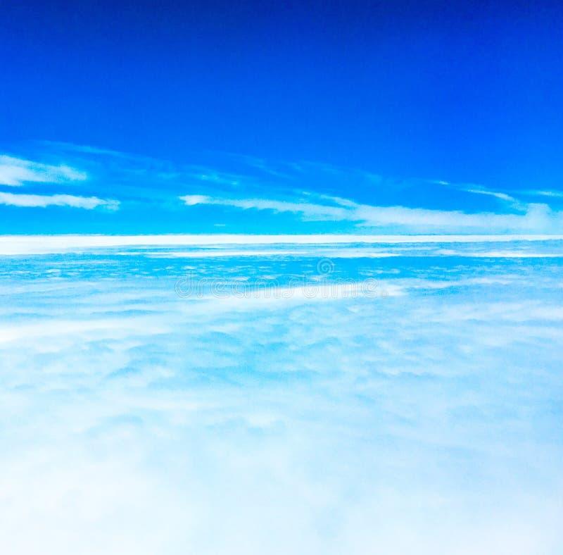 Upp i skyen royaltyfria bilder