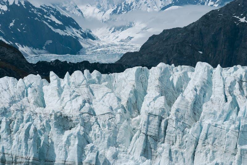 Upp nära sikt av Margerie Glacier på nationalparken för glaciärfjärd arkivfoto