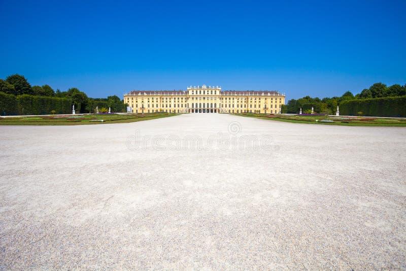 Uppehåll för Schonbrunn slottkunglig person arkivfoto