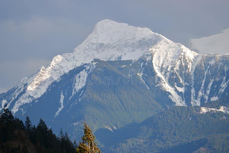 Uppemot Mt Cheam i sydväster Kanada arkivbild