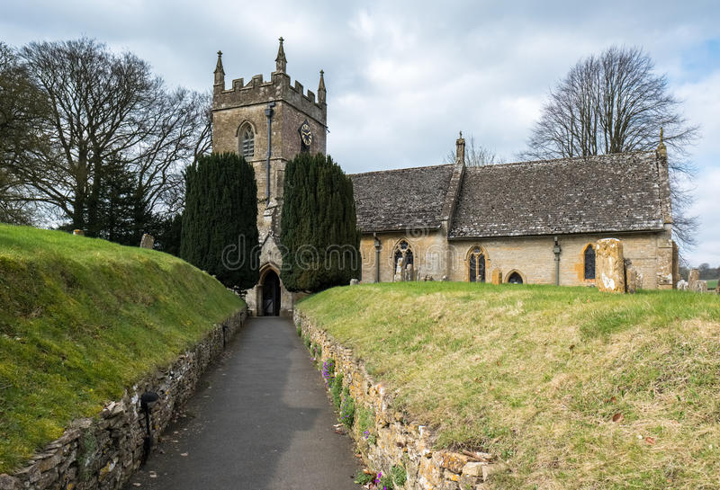 UPPER SLAUGHTER, GLOUCESTERSHIRE/UK - MARCH 24 : View of St. Pet. Er`s Church in Upper Slaughter in the Cotswolds in Gloucestershire on March 24, 2017 royalty free stock photos