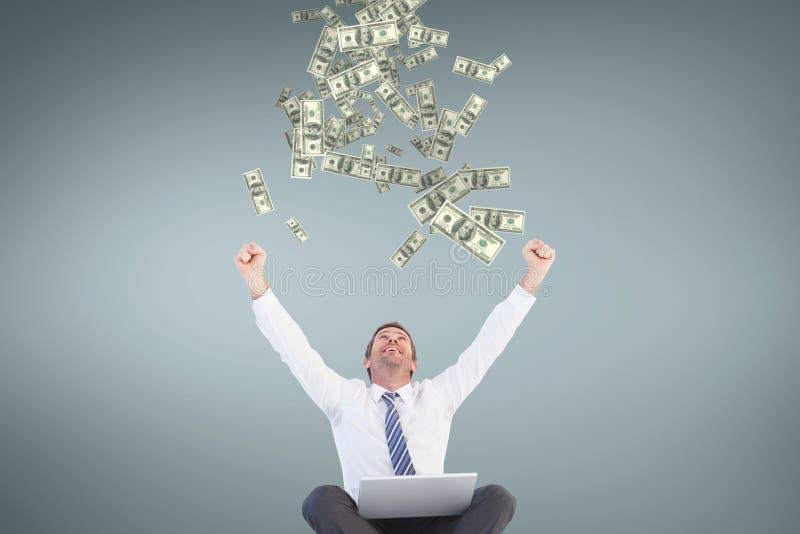 Upphetsad affärsman som ser pengarregn mot blå bakgrund arkivfoton