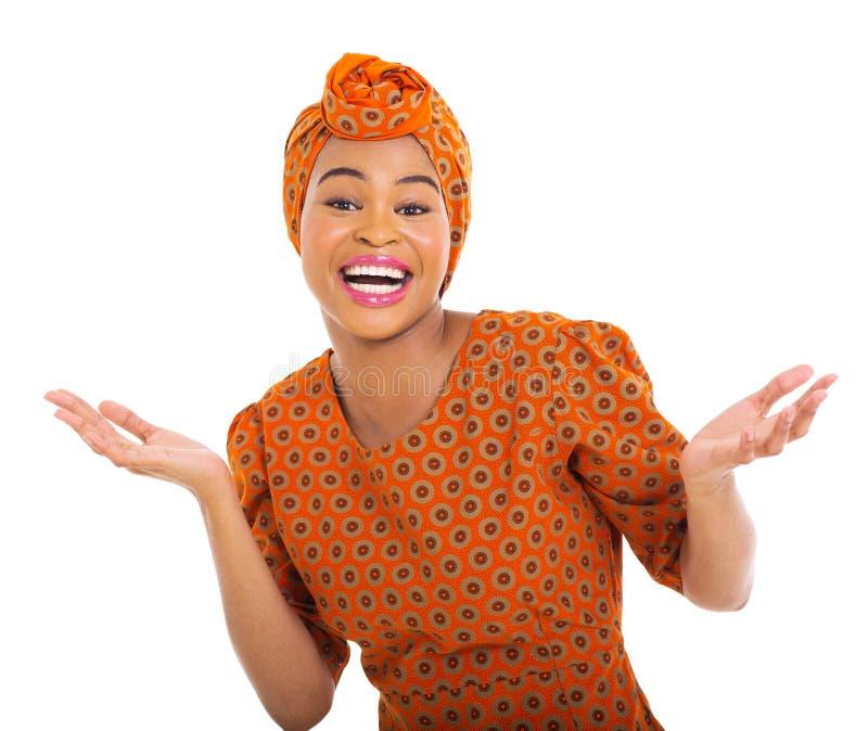 Upphetsad afrikansk kvinna royaltyfri foto