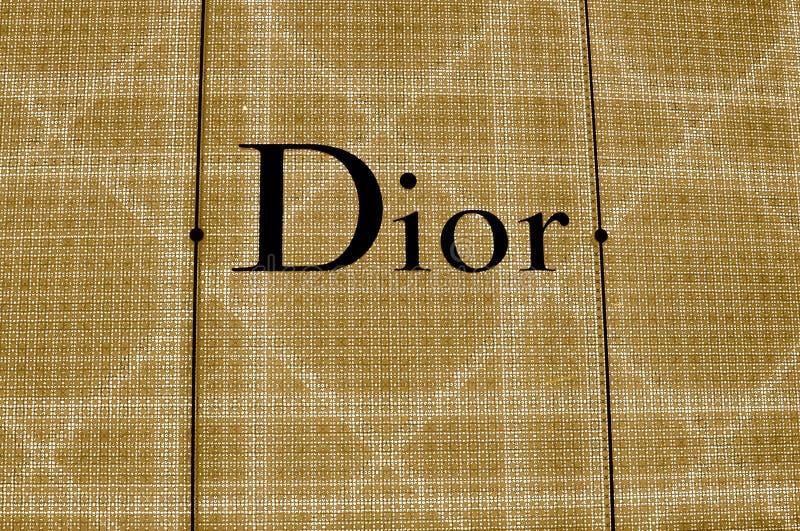 Upplyst Dior lagertecken royaltyfri bild