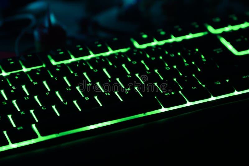 Upplyst tangentbord för att spela PC royaltyfri foto