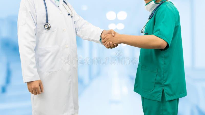 uppröra för doktorshänder Medicinsk folkteamwork arkivfoto