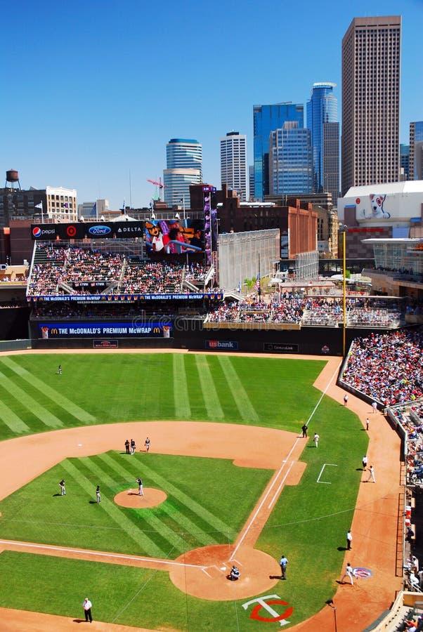 Uppsätta som mål fältet, hem av Minnesota Twins för baseball` s arkivfoto