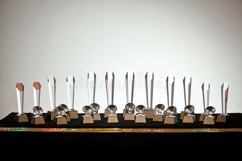 Uppsättning av den klara för troféutmärkelse för crystal exponeringsglas vinnaren royaltyfri fotografi
