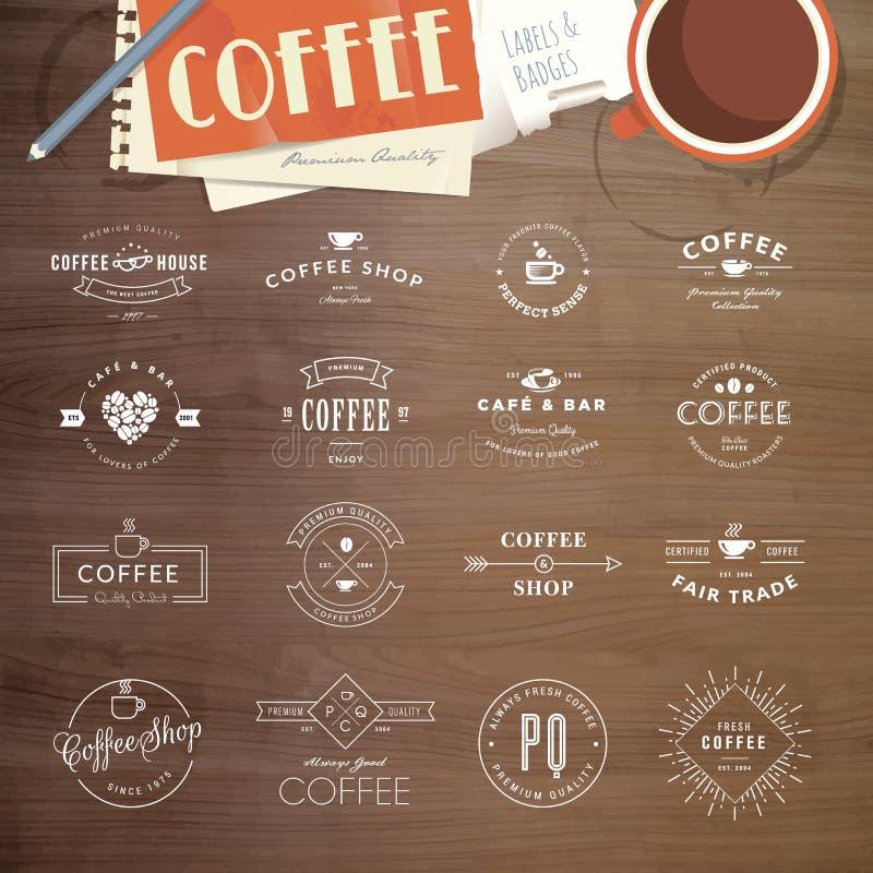 Uppsättning av emblem och etiketter för kaffe stock illustrationer